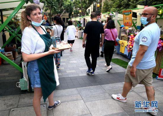 (经济)(4)上海:特色夜市 拉动消费