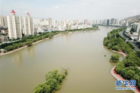 (社会)(1)黄河兰州段20公里健身步道循环圈即将建成投用