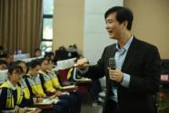 """中國學生批判性思維普遍偏弱?這個校長提出""""讓孩子們學會質疑"""""""